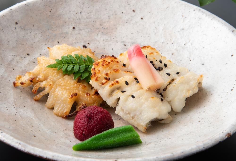 【焼物】鱧の塩焼きと山椒焼き二種の味わい